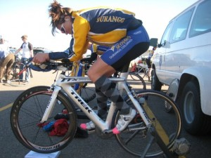Jessica Lathrop warms up on her Trek TTX before winning the time trial.